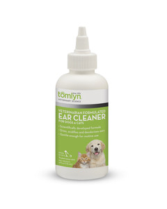 Veterinarian Formulated Ear Cleaner from Tomlyn for cats and dogs